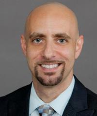 FIU Law Alumni Association President Robert Scavone Jr. '12 to receive FIU Torch Award